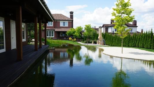 Экологические озера и декоративные пруды